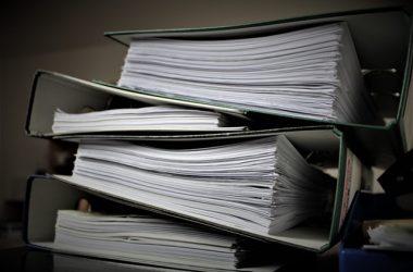 Dokumenty uporządkowane w segregatorach